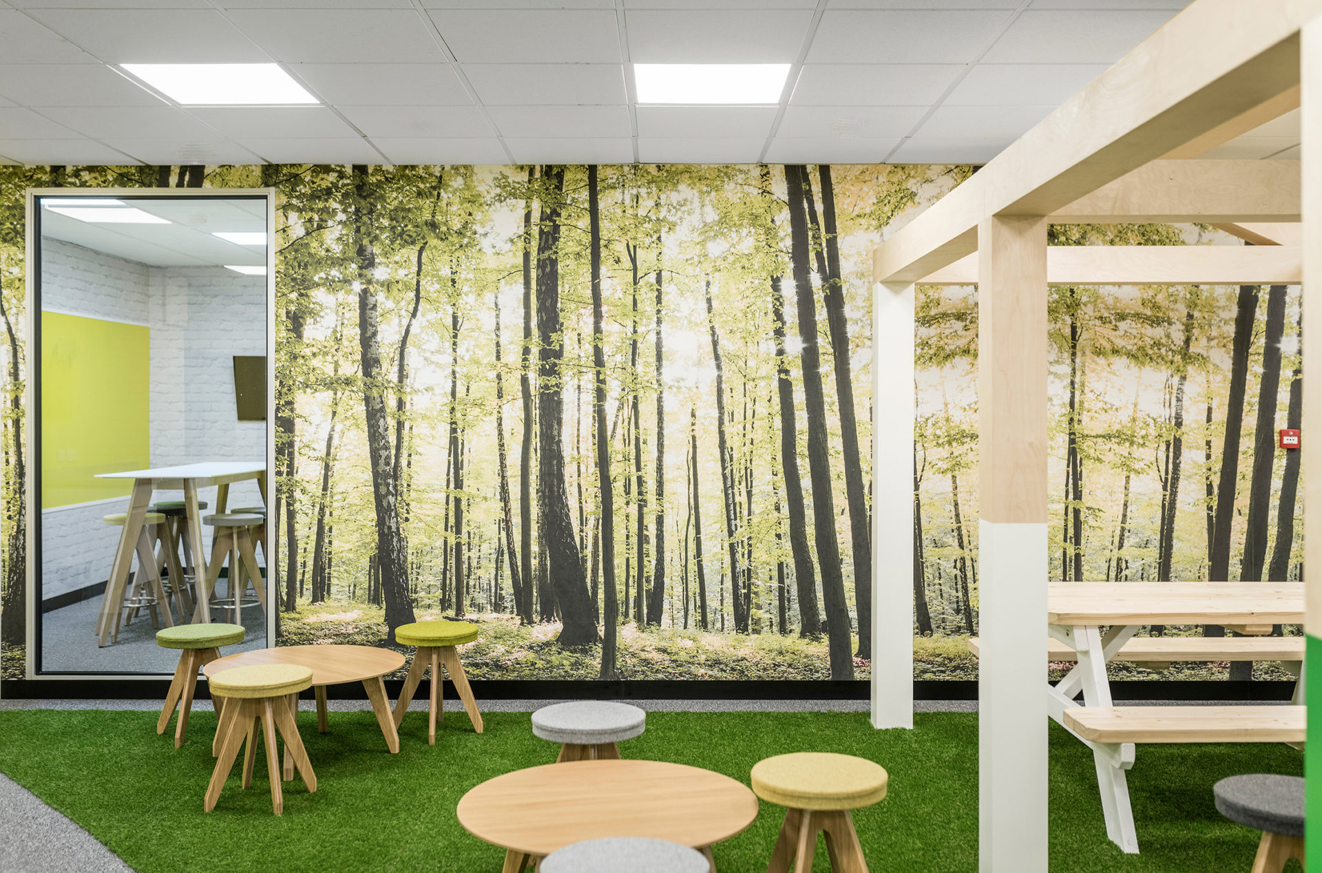 IG Design Break Out Park Space and Meeting Room